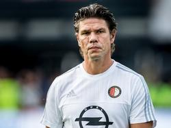 Keeperstrainer Patrick Lodewijks loopt richting de dugout tijdens het competitieduel Feyenoord - Vitesse. (23-08-2015)