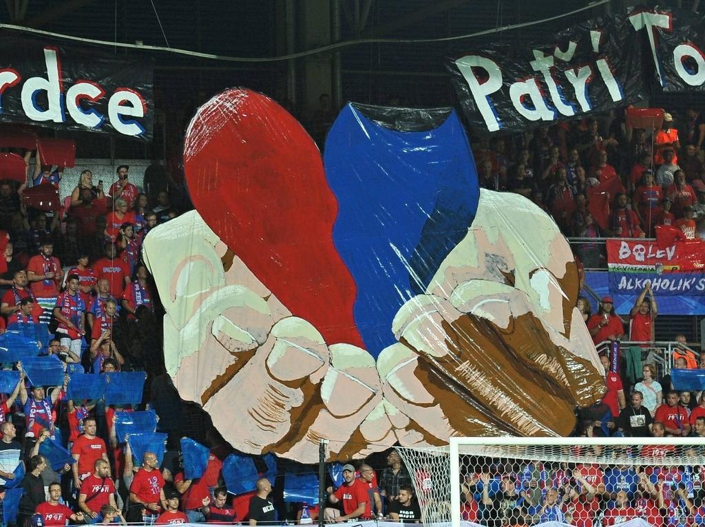 Nach der Choreo folgten die Schmährufe: Pilsen-Fans im Heimspiel gegen Rasgrad