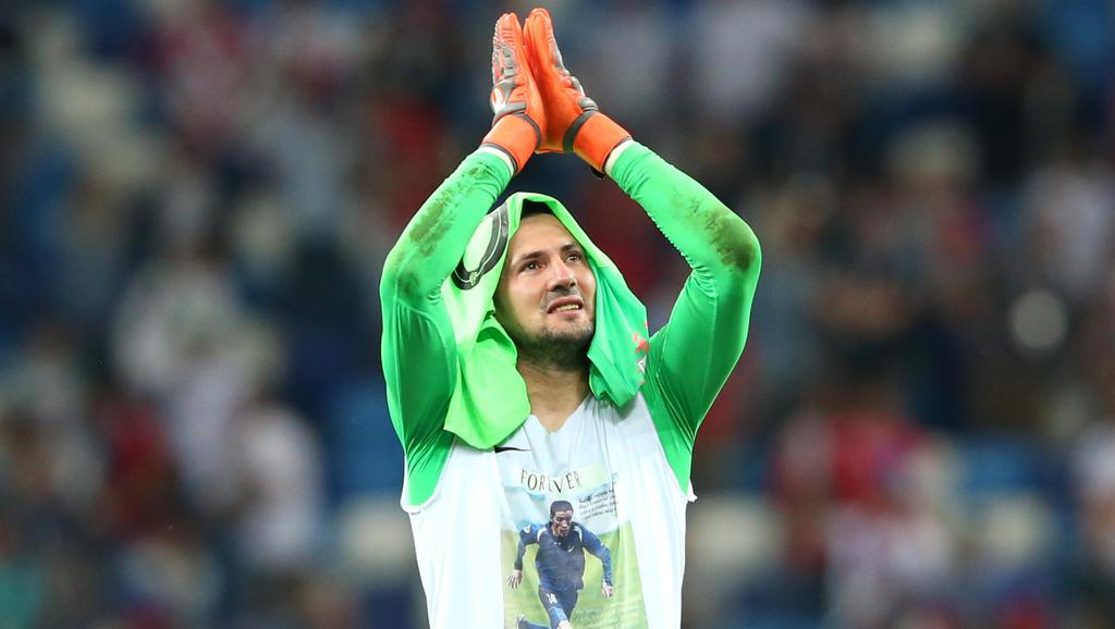 Danijel Subasic ehrt seinen verstorbenen Freund