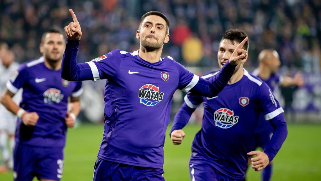 Aues Dimitrij Nazarov (M) traf per Elfmeter gegen den FC St. Pauli
