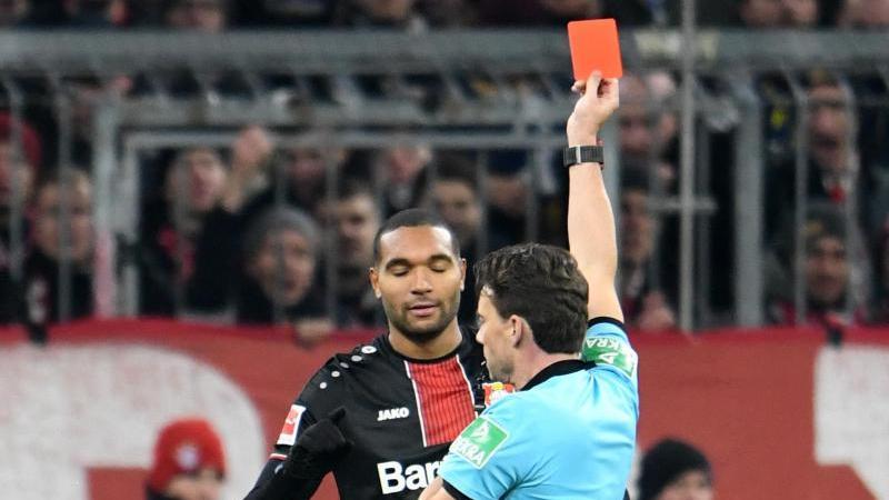 Jonathan Tah wurde im Spiel gegen den FC Bayern des Feldes verwiesen