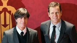 Löw (l.) und Bierhoff (r.) gratulieren Jürgen Klopp