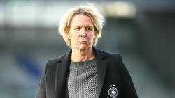 Bundestrainerin Voss-Tecklenburg bestreitet mit ihrer Mannschaft zwei Testspiele