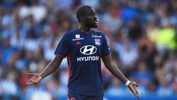 Tanguy Ndombélé con la camiseta del Lyon.