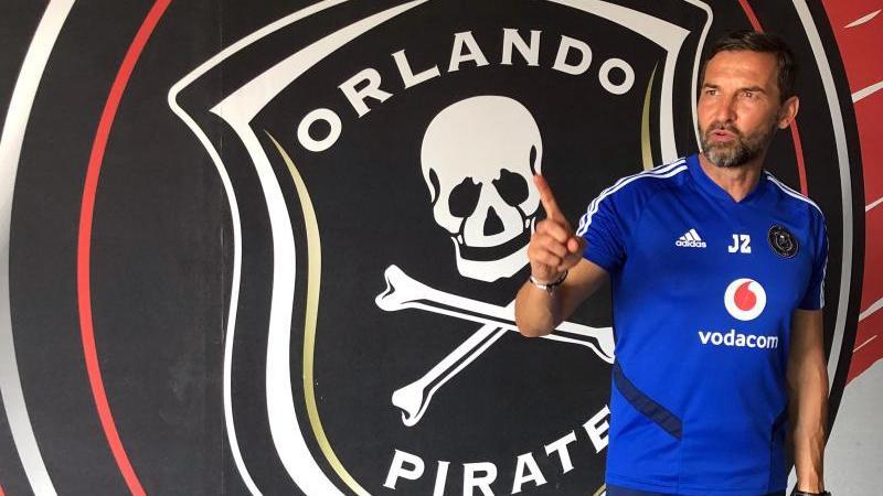 Joe Zinnbauer ist Trainer der Orlando Pirates