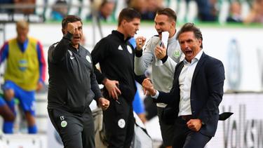 Bruno Labbadia (re.) hat dem VfL Wolfsburg 2018 neues Leben eingehaucht