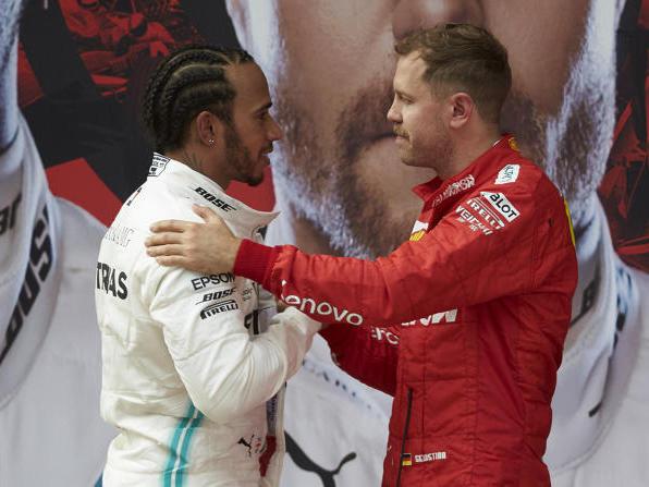 Sebastian Vettel bleibt derzeit nichts anderes übrig, als zu gratulieren