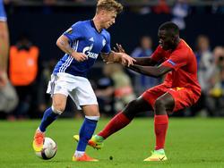 Dayot Upamecano (r.) behakte sich in der Euro League schon mit Schalkes Max Meyer