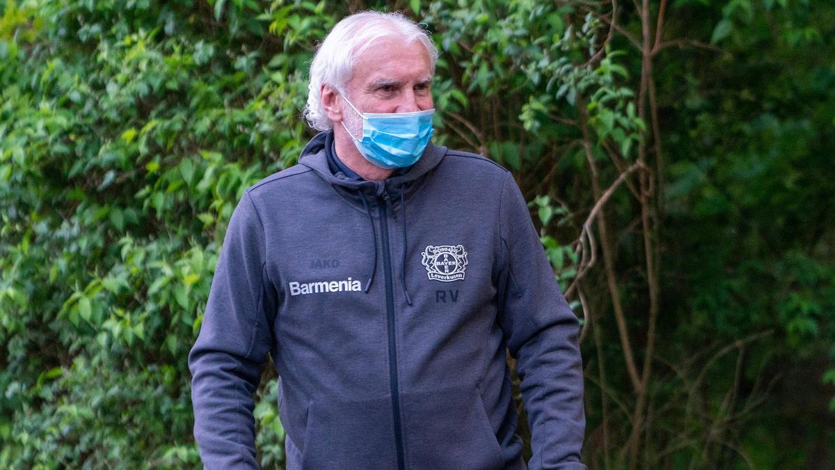 Hofft, dass die Geisterspiele bald Geschichte sind: Sportdirektor Rudi Völler von Bayer Leverkusen