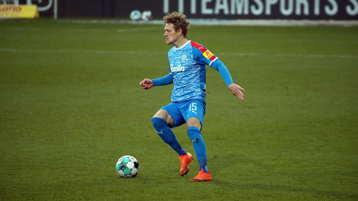 Johannes van den Bergh hat bei Holstein Kiel verlängert