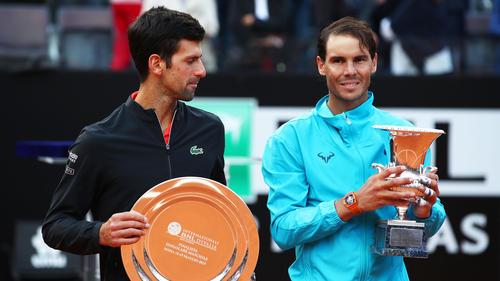 Rafael Nadal (re.) setzte sich gegen Novak Djokovic durch