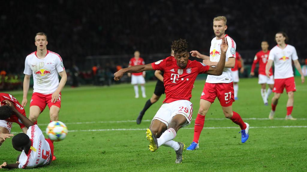Kingsley Coman (M.) erzielte das 2:0 für den FC Bayern