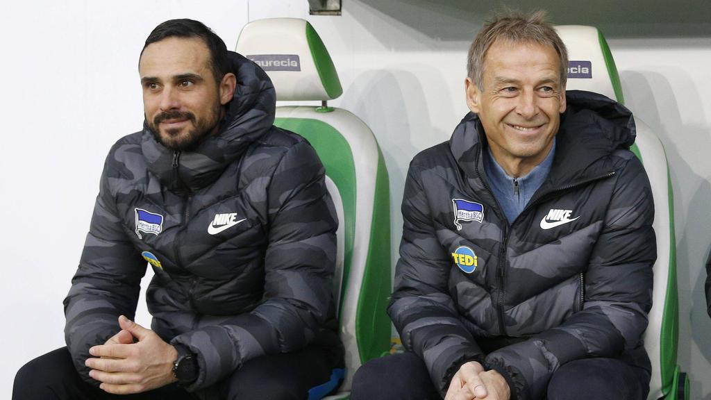 Jürgen Klinsmann (r.) holte Alexander Nouri als Co-Trainer zu Hertha BSC