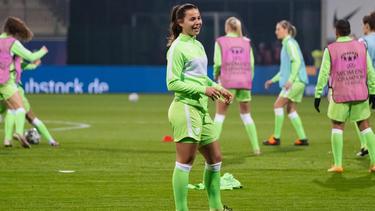 Lena Oberdorf hat ihren Vertrag beim VfL Wolfsburg vorzeitig verlängert
