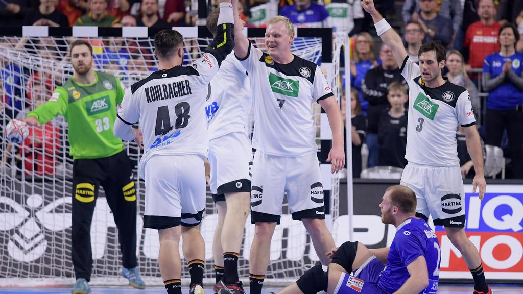 Sieg gegen Island: Die deutsche Handball-Auswahl jubelt in Köln