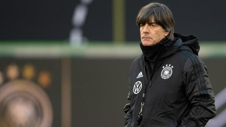 Joachim Löw bereit das DFB-Team auf das erste Spiel des Jahres vor