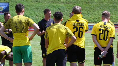 Die U19 des BVB organisierte kurzerhand ein Trainingsspiel, nachdem die Partie gegen Aachen abgesagt wurde