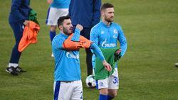 Sead Kolasinac (l.) und Shkodran Mustafi wollen mit Schalke doch noch die Klasse halten