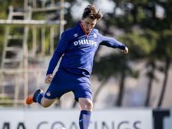 Spitsentrainer Luc Nilis tijdens het trainingskamp van PSV op Malta in de winterstop. (05-01-2016)