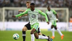 Riechedly Bazoer wird vom VfL Wolfsburg für eine Saison an den portugiesischen Meister FC Porto ausgeliehen