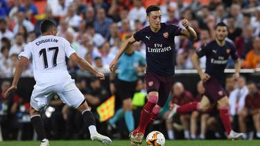 Mesut Özil wurde mit einem Pfeifkonzert verabschiedet