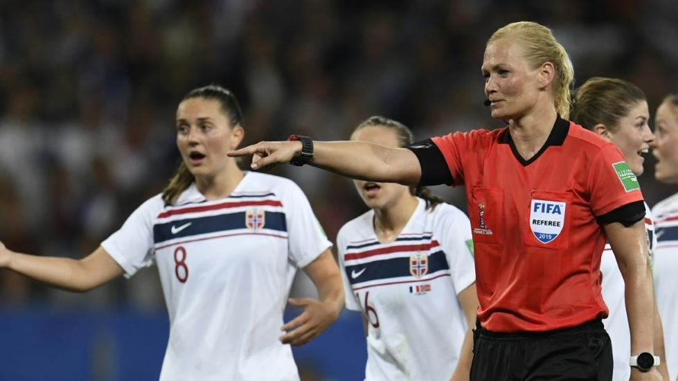 WM-Aus für Schiedsrichterin Bibiana Steinhaus