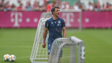 Niko Kovac wurde beim Training des FC Bayern von einem Fan angegangen