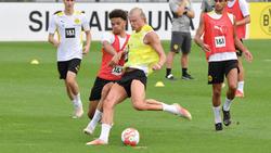 Nnamdi Collins (l.) trainierte schon mit BVB-Superstar Erling Haaland zusammen
