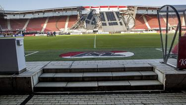 Das Dach vom Stadion des AZ Alkmaar war teilweise eingestürzt