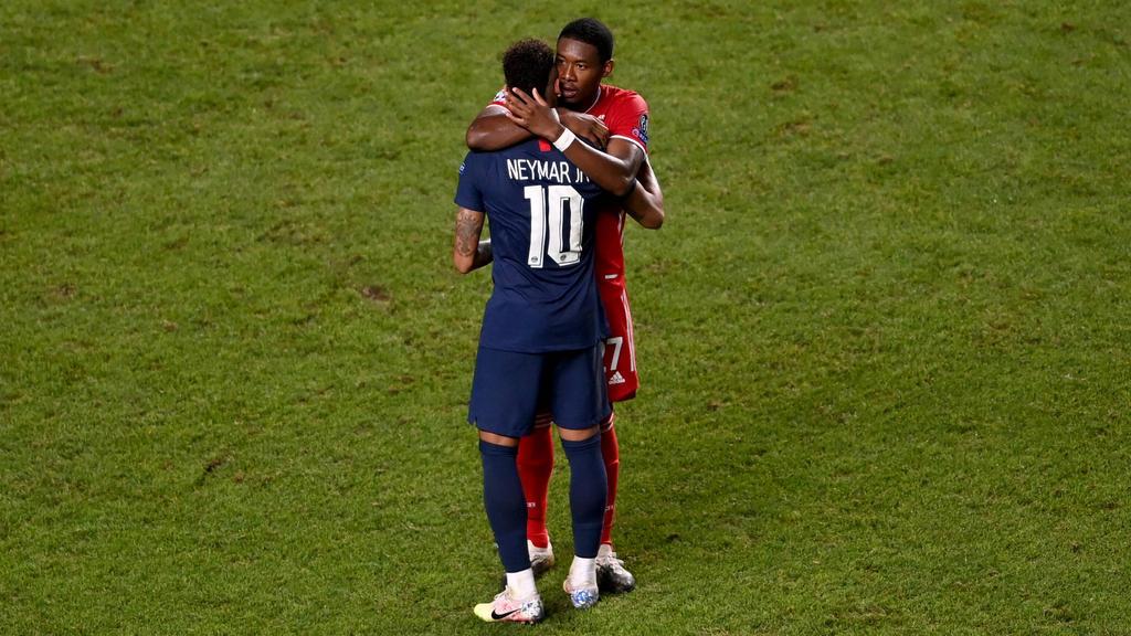 Weltstars unter sich: David Alaba vom FC Bayern tröstet Neymar