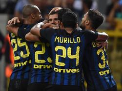 Lo jugadores del Inter celebran juntos el gol de la victoria contra la Juve. (Foto: Getty)