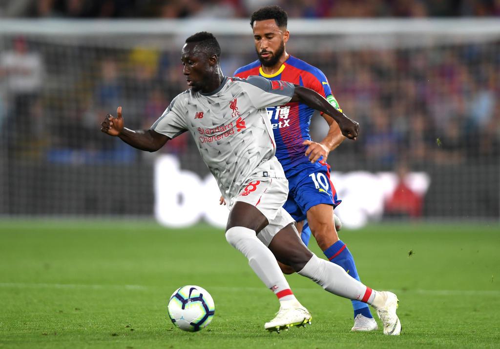 Naby Keita (l.) im Trikot des FC Liverpool