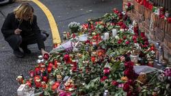 Viele Fans trauern im Karel Gott