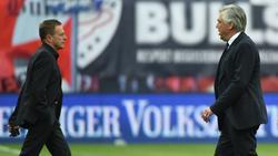 Carlo Ancelotti (r.) sieht Ralf Rangnick als möglichen Milan-Coach