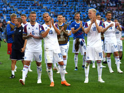 Die Isländer freuen sich nach dem Remis gegen Argentinien