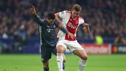 Matthijs de Ligt (r.) wird vorerst nicht mit Bayerns Robert Lewandowski zusammenspielen
