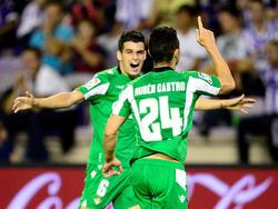 Rubén Castro (v.) feiert seinen Siegtreffer