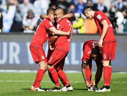 Vidal (2.v.l.) bejubelt seinen 1:0-Führungstreffer für Bayern