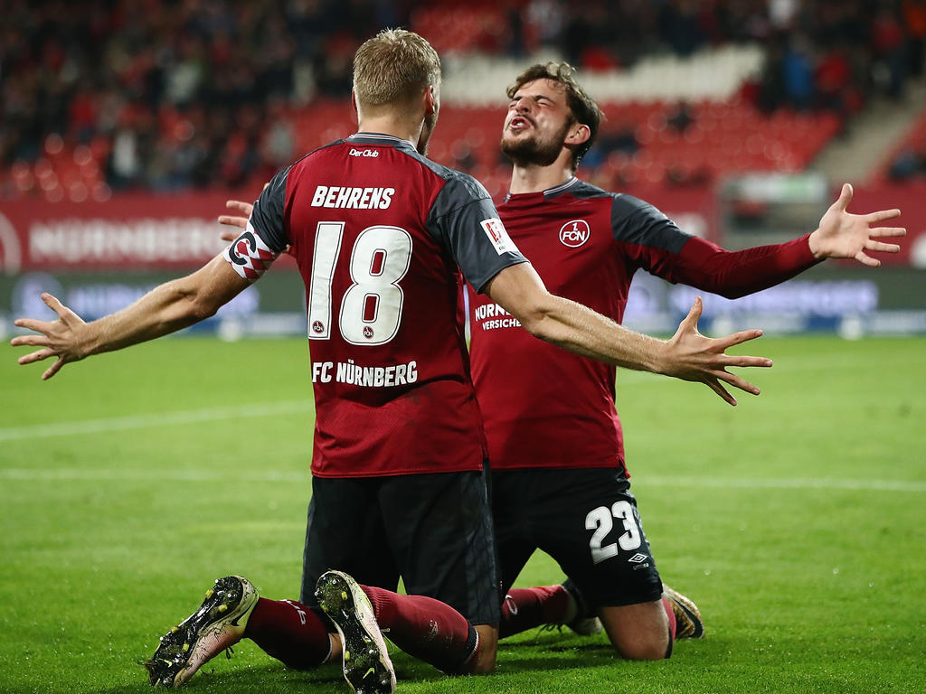 Peilt mit dem 1. FC Nürnberg den Aufstieg an: Tim Leibold (r.)