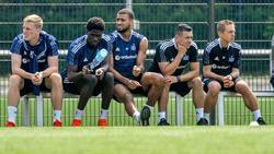 Amadou Onana (2.v.l.) will den HSV angeblich verlassen