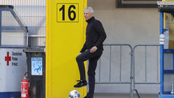 Lucien Favre stellt den BVB auf die Partie gegen Hertha BSC ein