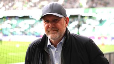Jörg Schmadtke äußert sich zu den BVB-Gerüchten um Maxence Lacroix
