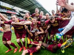 Roda JC promoveert na de winst op NAC Breda naar de Eredivisie. Hierdoor heeft de provincie Limburg weer een ploeg op het hoogste voetbalniveau in Nederland. (31-05-2015)