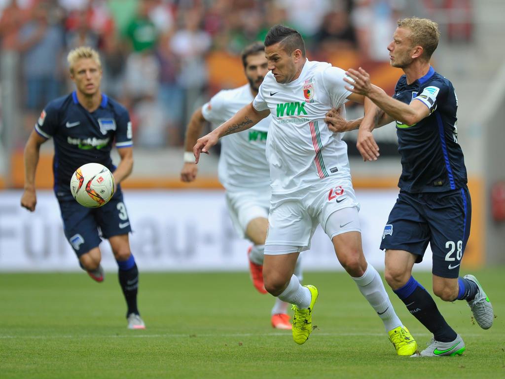 Bobadilla en el partido de hoy entre el Augsburgo y el Hertha de Berlín. (Getty)