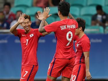 Hyun-jun Suk (m.) maakt namens Zuid-Korea de 0-6 in de groepsfase van de Olympische Spelen tegen Fiji. (05-08-2016)
