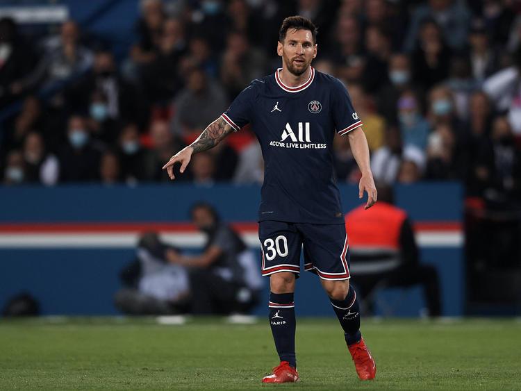Messi en el último partido liguero con los parisinos.