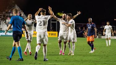 Higuaín hizo su papel arriba y anotó.
