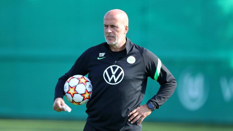Michael Frontzeck ist Interimscoach des VfL Wolfsburg