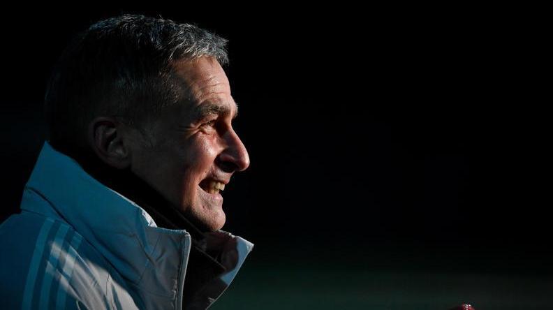 Stefan Kuntz will sich vorerst nicht mit der Bundestrainerfrage beschäftigen