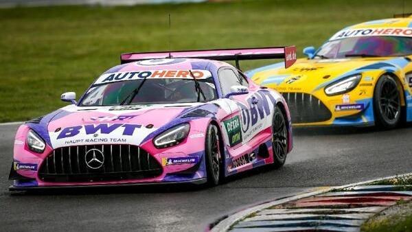 Neue Optik bei den Mercedes-Teams: Götz vor seinem Teamkollegen Abril